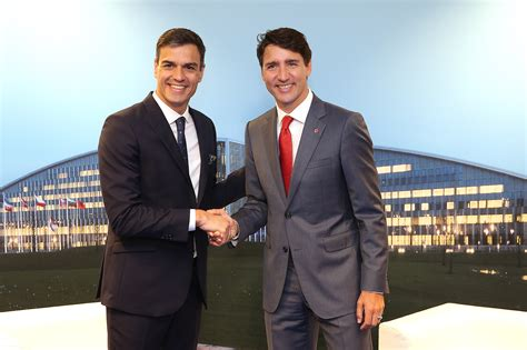 File:Pedro Sánchez Pérez Castejón with Justin Trudeau in ...