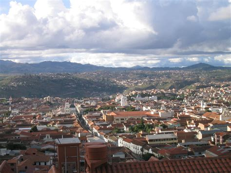 File:Sucre capital de Bolivia.jpg   Wikimedia Commons