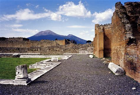 File:Vesuvius from Pompeii  hires version 2 scaled .png ...
