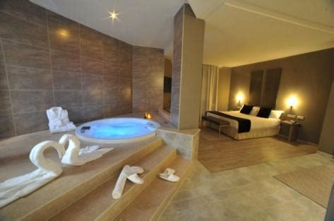 Find Hotel Rooms With Jacuzzi | Hotel Booking 1,365,000 ...