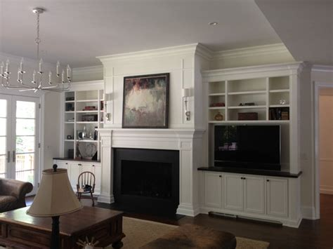 FIREPLACE MANTELS & SURROUNDS   Traditional   Family Room ...