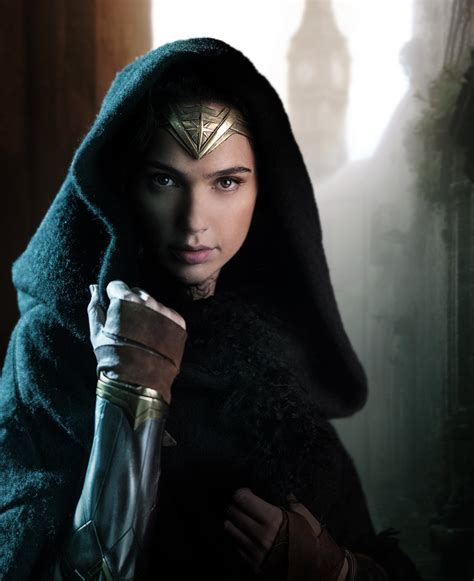 First look at Gal Gadot in  Wonder Woman ; cast officially ...