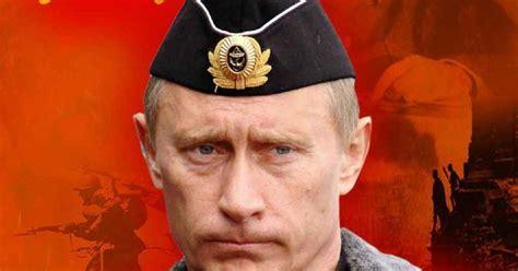 "Flagelo russo: Putin confessa: ""sou comunista"""