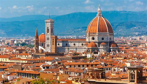 Florence Leather Market | Italiarail