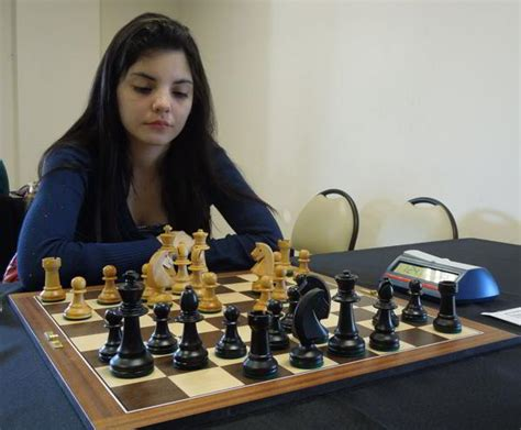 Florencia Fernández, imbatible – Ajedrez de Estilo