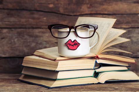 Fondos de Pantalla Libro Gafas Taza grande descargar imagenes