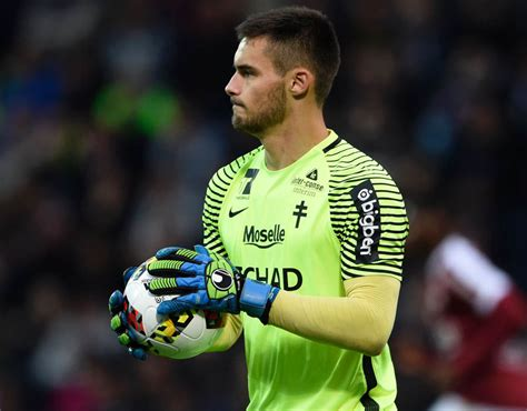 Football Manager 2017 wonderkids: 25 young goalkeepers to ...