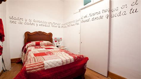 Formas de decorar las paredes con frases   Hogarmania