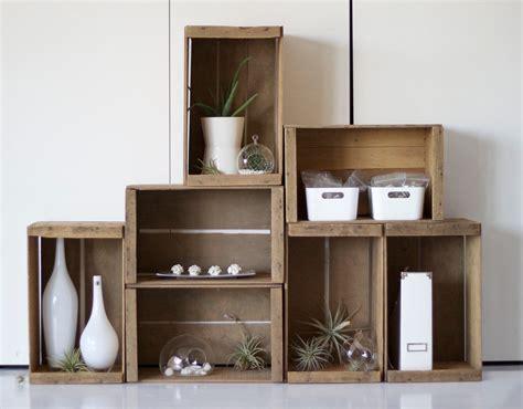 Formas inteligentes de decorar con cajas de madera   Decoora