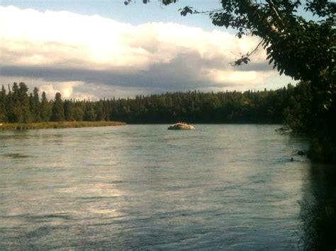 Foto de Kenai River Retreat, Soldotna: View from river ...