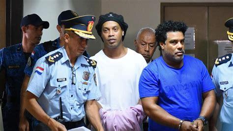 Foto de Ronaldinho en cárcel