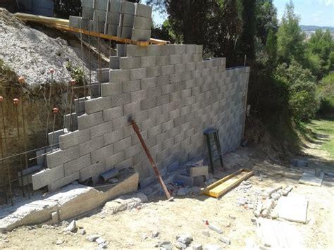 Foto: Muros de Contención de Hormigón Armado, Vallas de ...