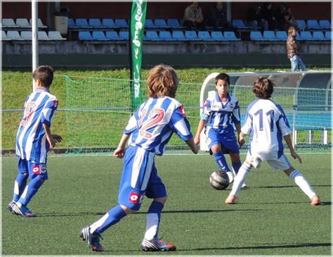 Fotos gratis : Deportes, torneo, jugador de fútbol, Juego ...