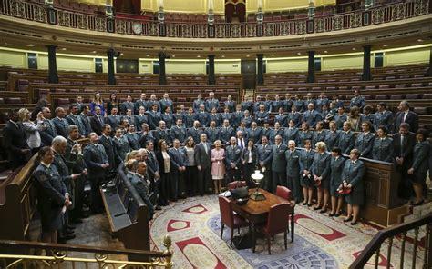 Fotos: Mujeres guardias civiles en el Congreso | España ...
