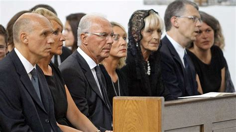 Franz Beckenbauer und Familie gedachten in einer ...