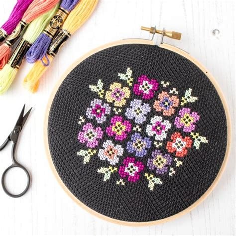 Free cross stitch pattern: Pansy bouquet on black ...