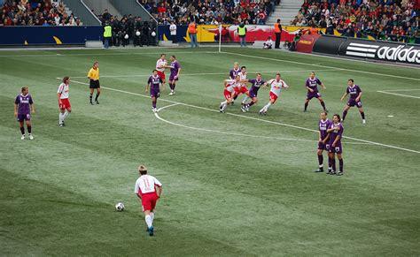 Free kick  association football    Wikipedia