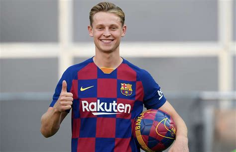 Frenkie de Jong bosses some kids at Camp Nou during his ...