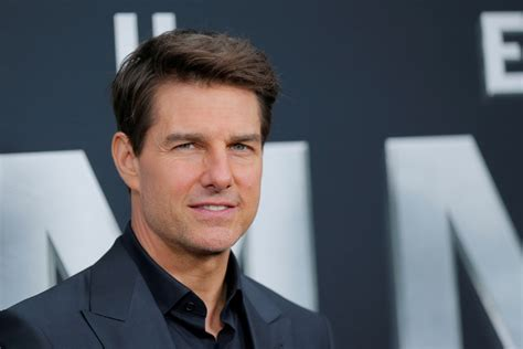From Bible reading to b**w jobs, Tom Cruise s memoir ...