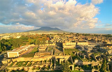 From Pompeii to Dante: Digitizing Ancient and Medieval ...