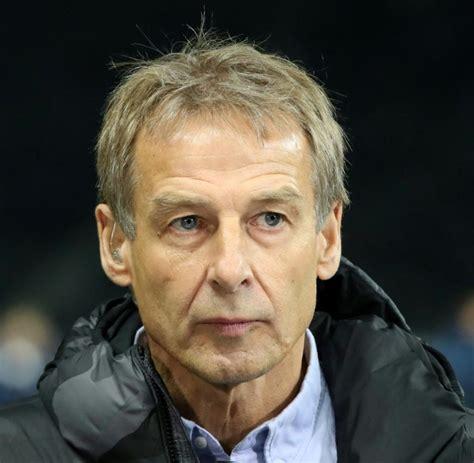 Fußball: Klinsmann erklärt Rücktritt als Hertha Coach ...