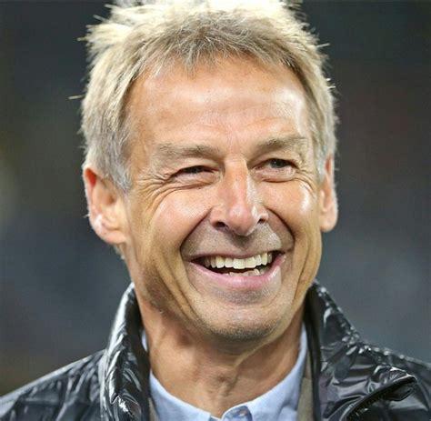 Fußball: Wegen Handy Aufnahmen: Klinsmann tritt ins ...