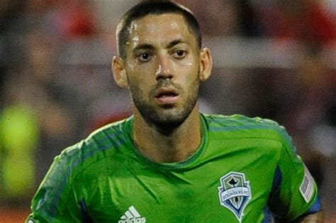 Fulham looking for Clint Dempsey loan | Daily Star