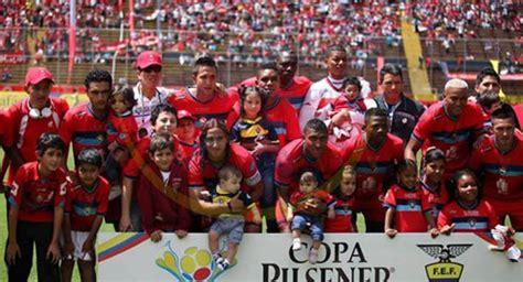 Fútbol Ecuador Serie A 49 años de gloria deportiva del ...