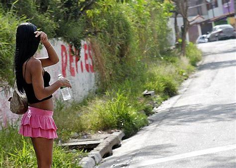 G1 > Edição São Paulo   NOTÍCIAS   Prostitutas reclamam de ...