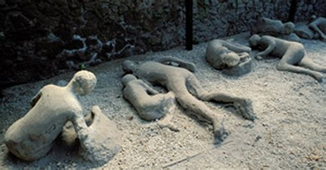G1   Onda de calor de 600°C matou moradores de Pompeia ...