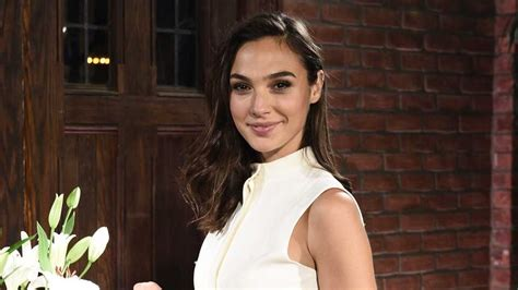 Gal Gadot Attached To Play Hedy Lamarr In New Series ...