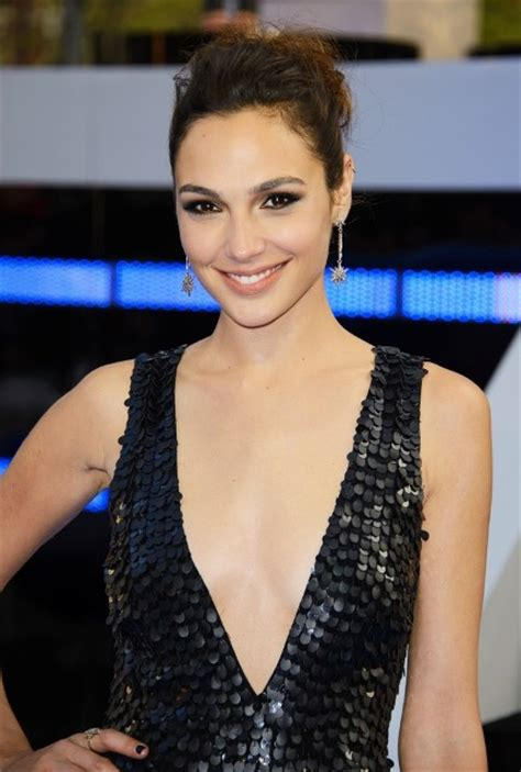Gal Gadot Bra Size, Age, Weight, Height, Measurements ...