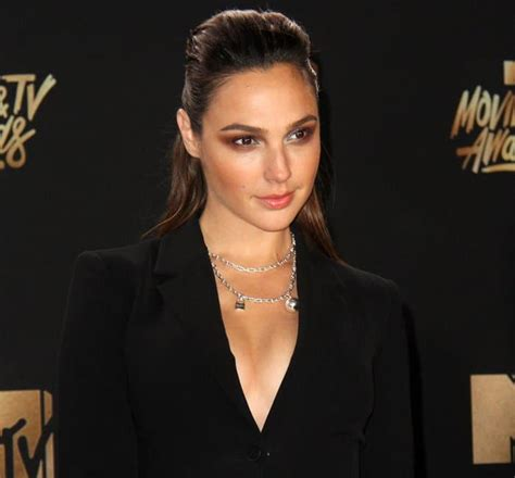 Gal Gadot Disappoints in Cinq A Sept Tuxedo Dress at MTV ...