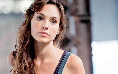 Gal Gadot Family Pictures, Husband, Children, Age, Height