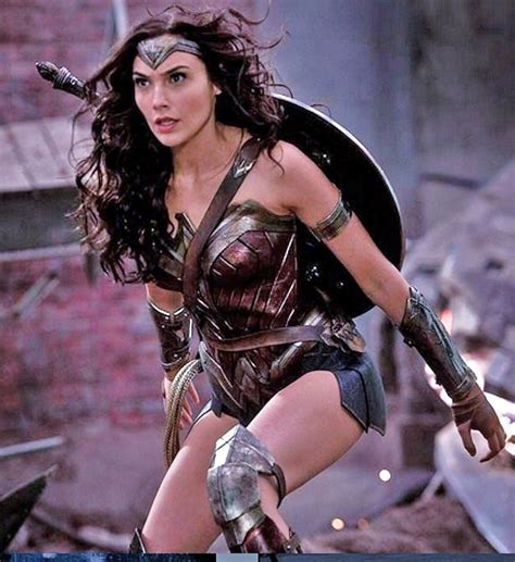 Gal Gadot Gained Weight To Play Wonder Woman: Diet ...