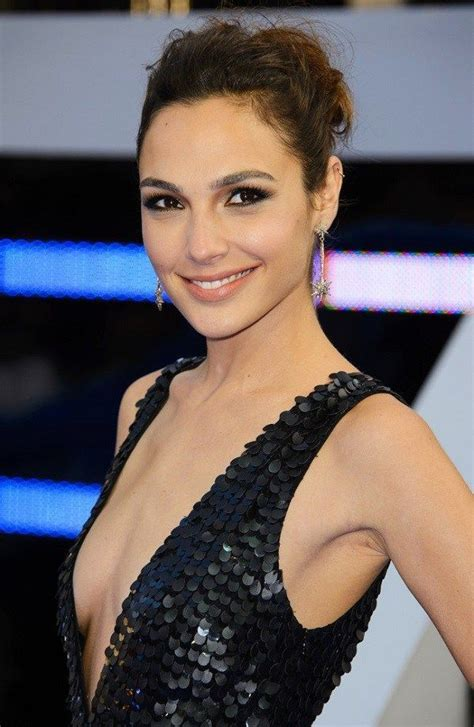 Gal Gadot Height, Weight, Bra Size Body Measurements ...