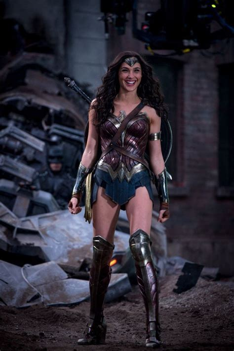 Gal Gadot is all smiles as Wonder Woman in new  Batman v ...