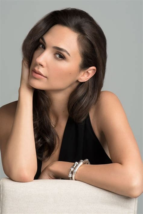 Gal Gadot Movie & Drama List, Height, Age, Family, Net Worth