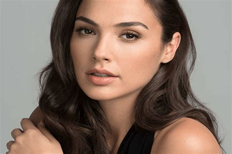 Gal Gadot movies, husband, age, Instagram,highest earning ...