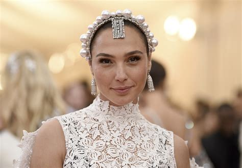 Gal Gadot to star in Netflix's biggest film yet | The ...