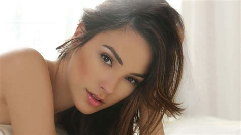 Gal Gadot Wallpapers Images Photos Pictures Backgrounds
