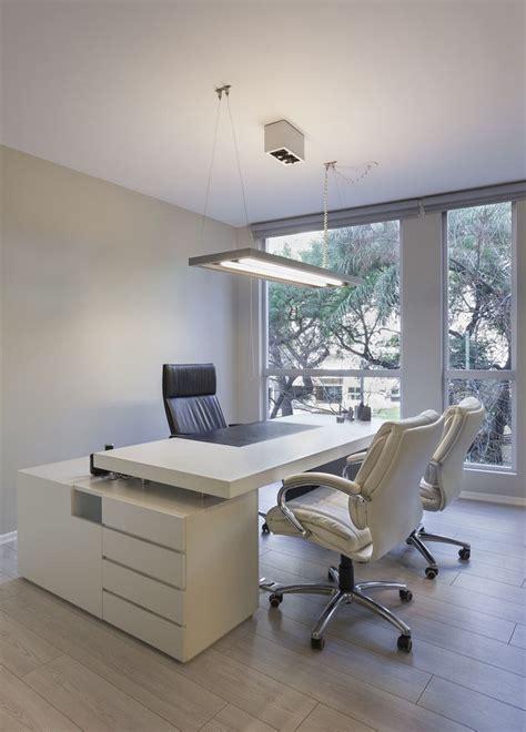 Galería de Oficinas Nisenbaum Comunicaciones / vEstudio ...