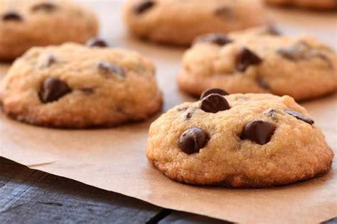 Galletas con pepitas de chocolate o cookies caseras ...