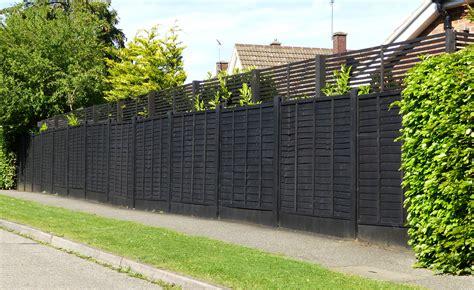 Garden Fencing   Turning Leaf garden designs