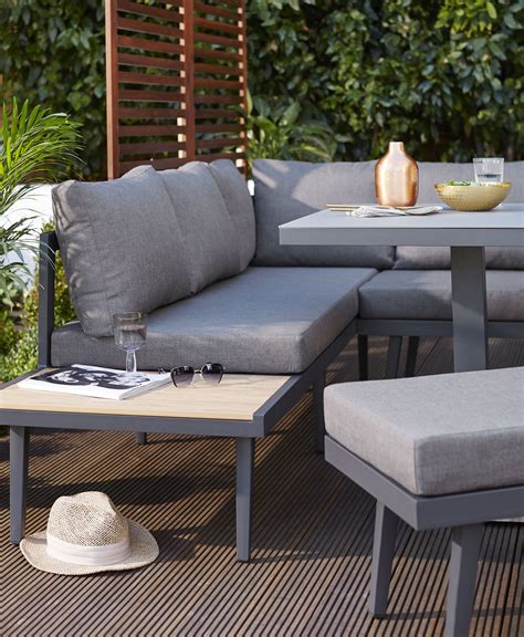 Garden Furniture Buying Guide: Everything You Need To Know ...