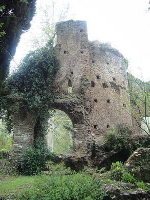 Gardens of Ninfa – Doganella di Ninfa, Italy   Atlas Obscura