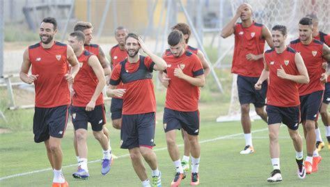 Gelán Noticias: El Sevilla Fútbol Club de la temporada ...