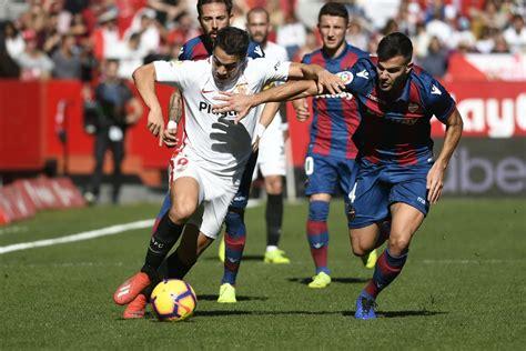 Gelán Noticias: FÚTBOL.  El Sevilla Fútbol Club volvió a ...