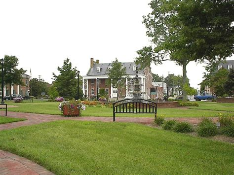Georgetown, DE : The Circle in the center of town photo ...