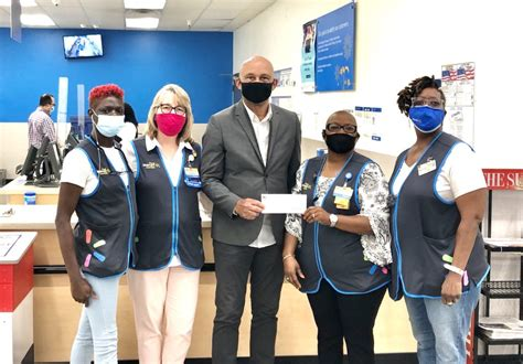 Georgetown Walmart awards $2,500 grant to Helping Hands of ...
